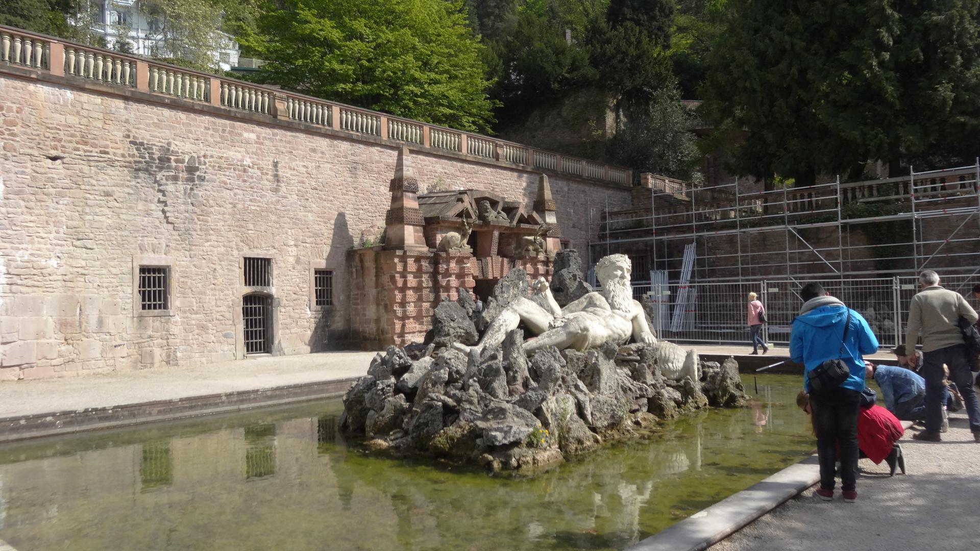 Statue von Vater Rhein