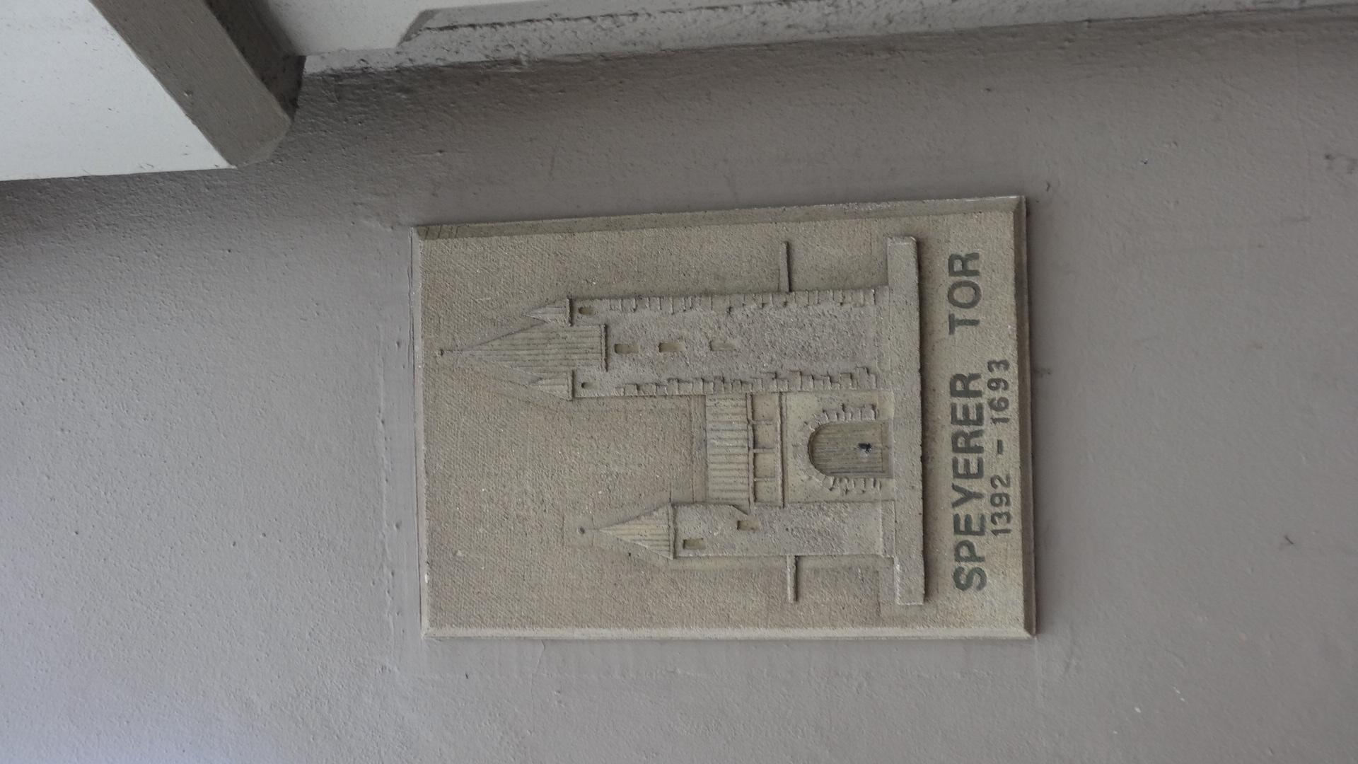 Erinnerungstafel für das Speyerer Tor