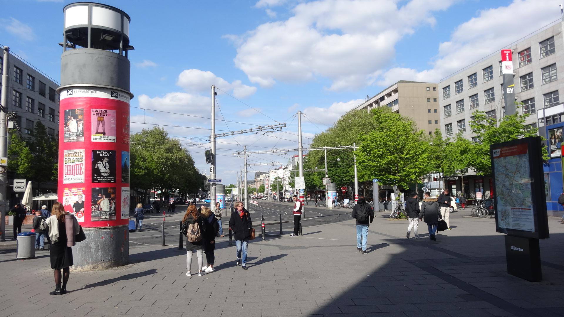 Mannheim Hbf Bahnhofsvorplatz